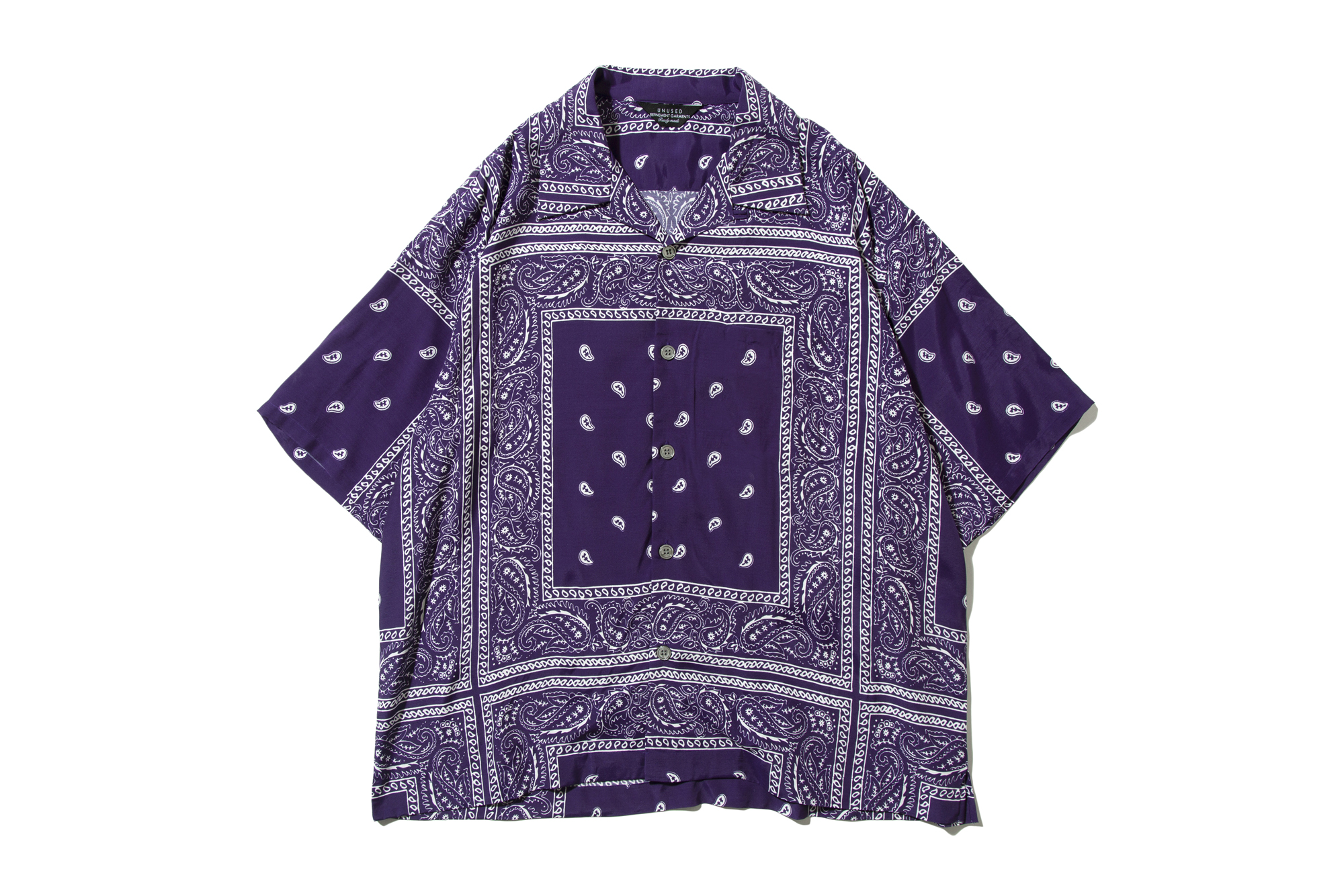us1798-bandana-print-s-s-shirt-purple_p2