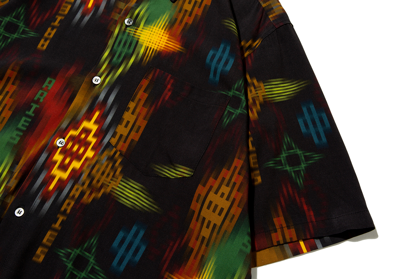 ikat-print-hawaiian-shirt-black_p1