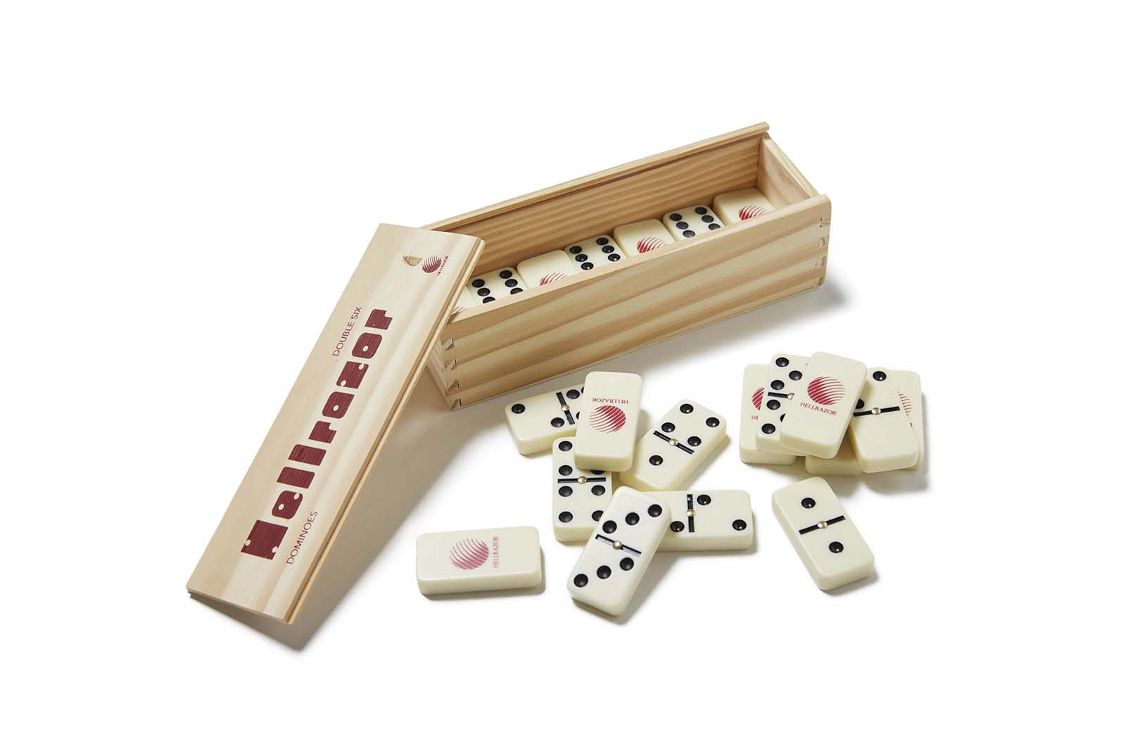 dominoes-with-wooden-box_p2